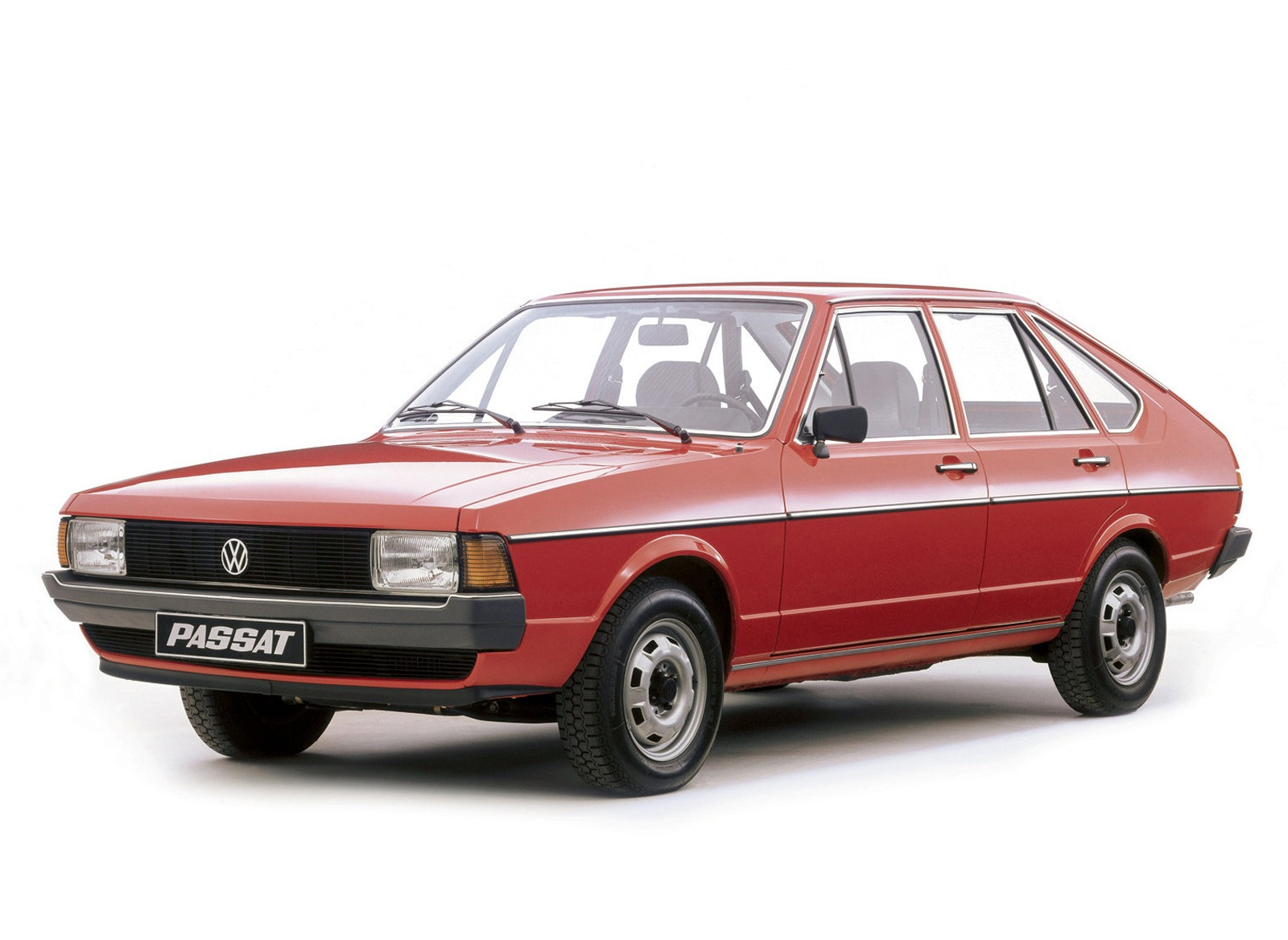 19.05.2017 21 мая 1973 года была представлена первая модель Volkswagen Passat B1