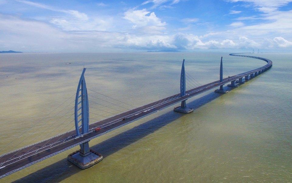28.02.2017 В Китае окончено строительство моста Delta, связавшего Макао, Чжухай и Гонконг
